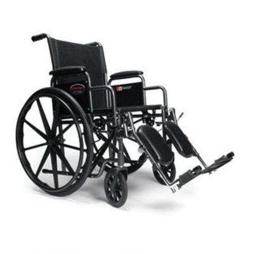 Fauteuil roulant Avantage avec appuie-bras et appuie-pieds